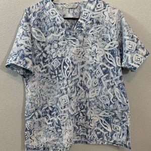 Cherokee scrub top blue floral size medium
